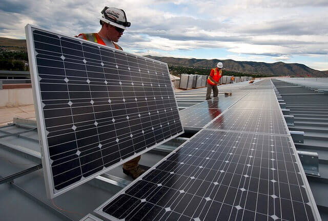 Gewerbestrom aus erneuerbaren Energiequellen